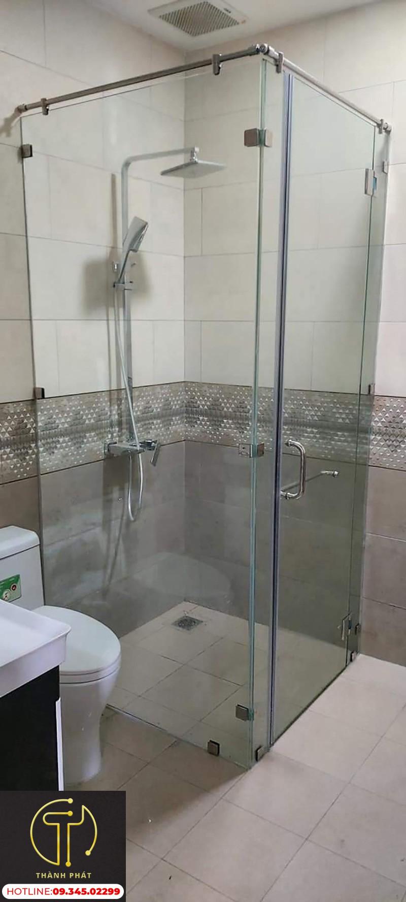 Buồng tắm đứng 90 độ