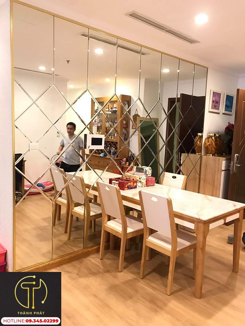 Gương Dán Tường Phòng ăn