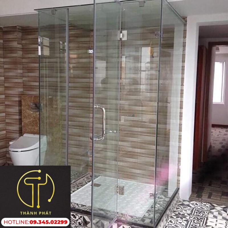 Phòng tắm kính an toàn